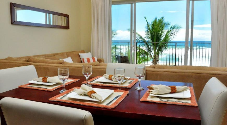 Beachfront Luxury Condominium - Jaco Beach - Selveierleilighet