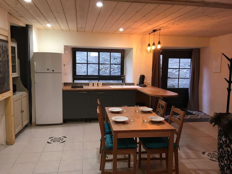 la pièce principale: côté cuisine