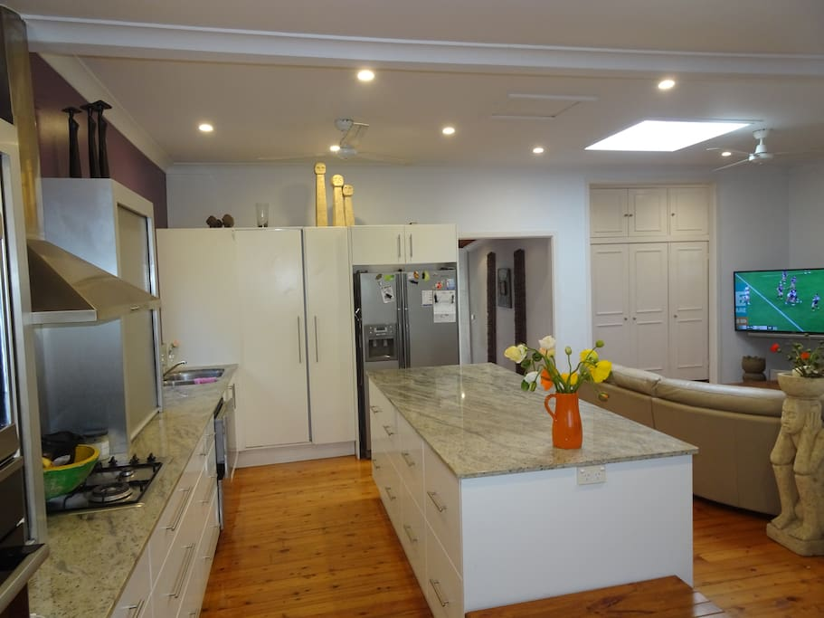 Kitchen and Lounge with Cable TV