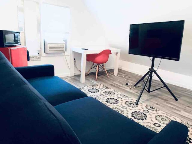 ♥Studio♥ Near NYC/EWR/Jersey Gardens Outlet Mall