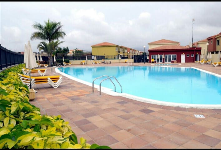Big pool in a luxury complex, beaches, golf, paddle, ...