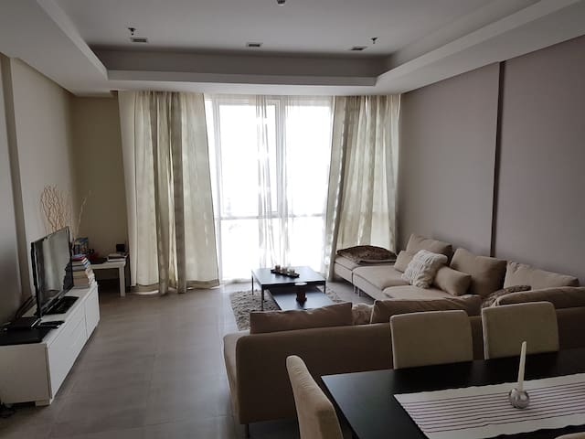 Sunny, spacious and cozy in the heart of Salmiya - Kuwait City - Kondominium