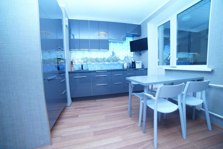 Species, new apartment. 26 floor. - Sankt-Peterburg - Apartment