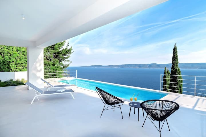 Villa V - private pool, special location & surroundings
