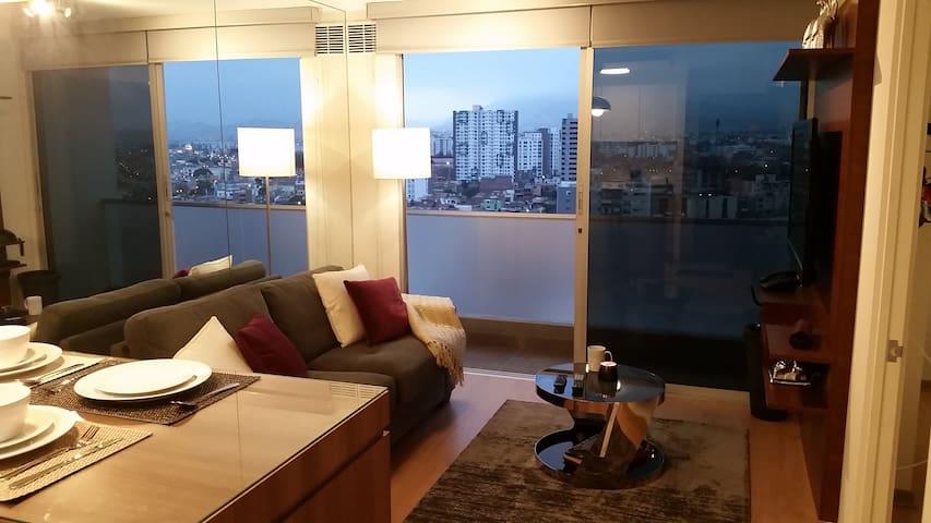 Top Floor  Apt. Between Miraflores & Barranco !