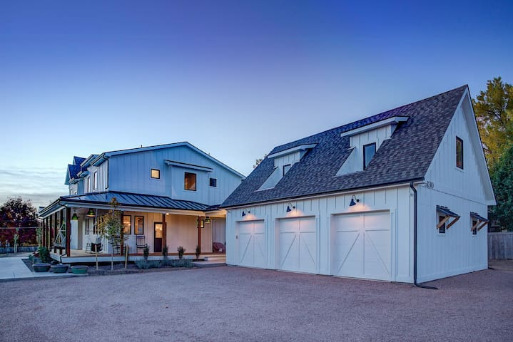 Golden Carriage House