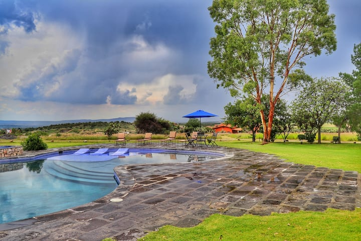 House at San Miguel de Allende with pool and views