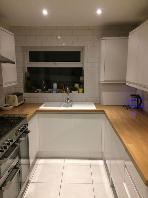 Fully equipped kitchen with gas range,walk in larder, microwave, fridge freezer and washing machine...