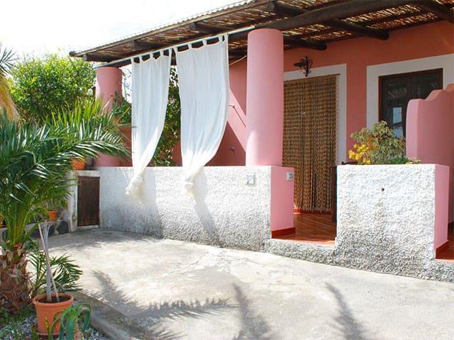 I MANDORLI A e B DI SALINA - Lipari - House