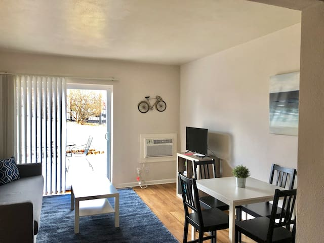 Cozy Apartment in STL - Close to EVERYTHING!