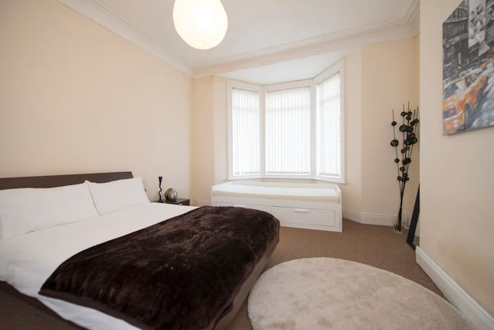 3 bed flat, free parking, sleeps 7 - Newcastle upon Tyne