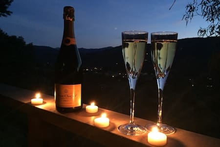 Honeymoon Wine Country Cottage - 卡梅爾瓦利(Carmel Valley)