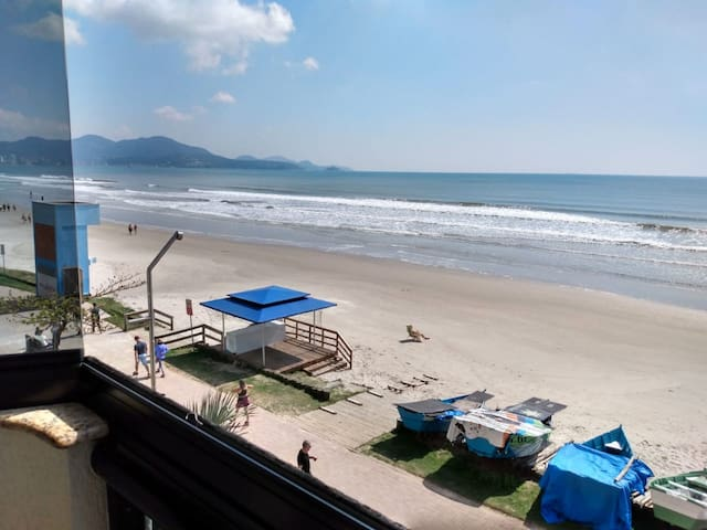 Apartamento frente mar, Meia Praia- Itapema!