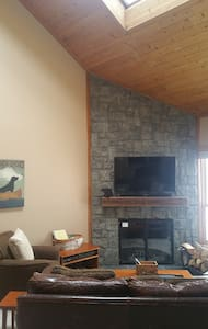 Trail Creek 2 bed ski home walk/shuttle to lifts - Killington - Osakehuoneisto