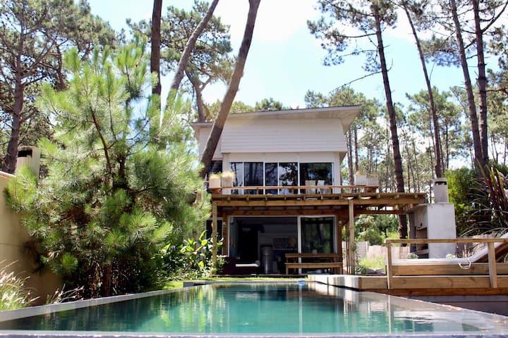 OM • Unique House •