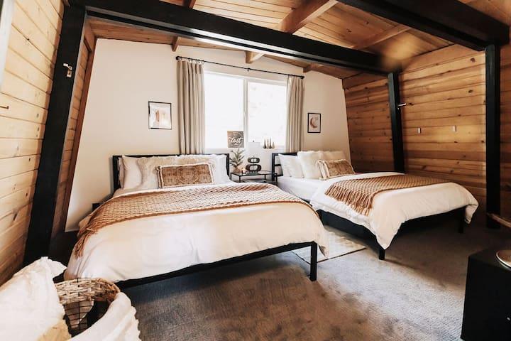 2nd bedroom. 2 luxury queen memory foam beds.