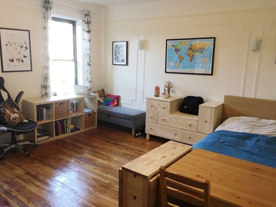 Bright cozy studio in astoria wohnungen zur miete in for Aki kitchen cabinets astoria ny