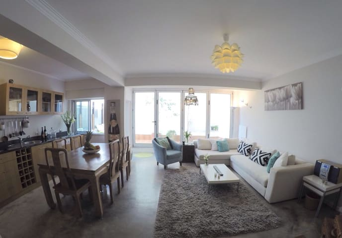 Beautiful flat by the sea - Estoril