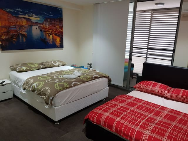 king master bedroom with queen bed and double bed for 4-5 guest