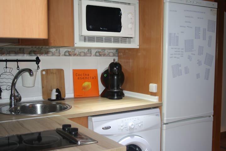 Coqueta Buhardilla en el Centro de Burgos Wi-Fi - Burgos - Apartemen