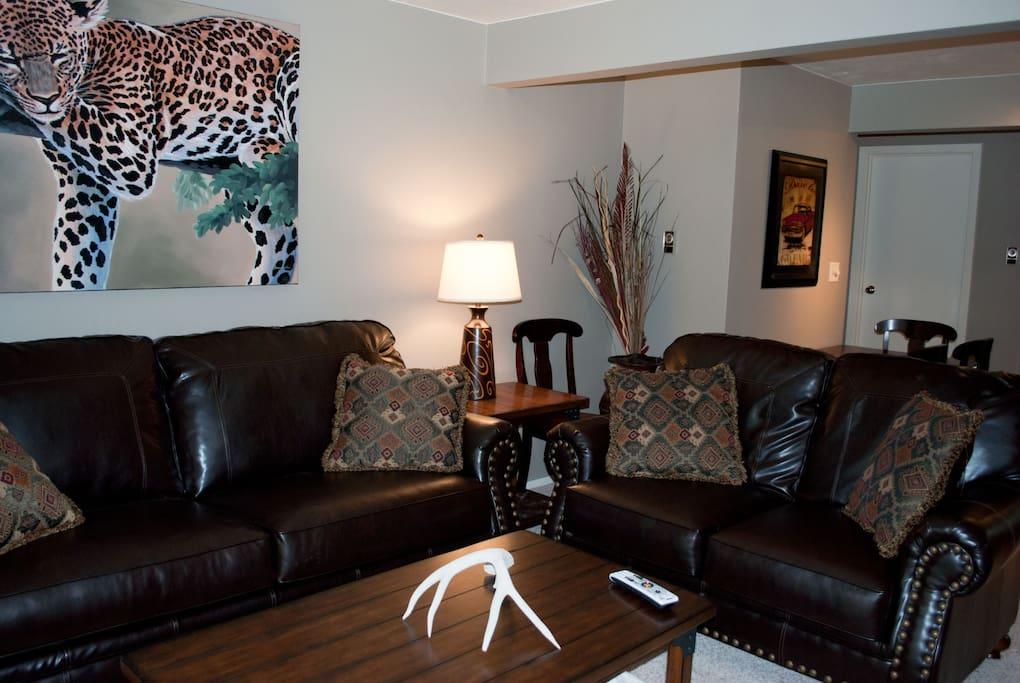 Livingroom with big screen TV , DVD, and WIFI