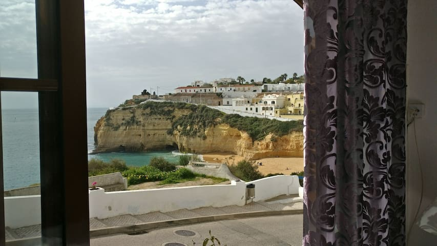 Casa Monte Front Seaview bedroom - Carvoeiro