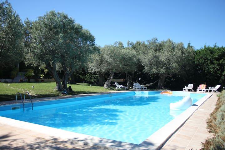 Casa vacanze immersa nel verde a 5km dal mare - Portocannone - Appartement