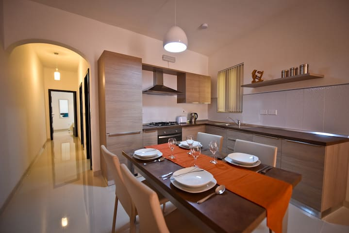 Self catering holiday apartment in Marsalforn no.3