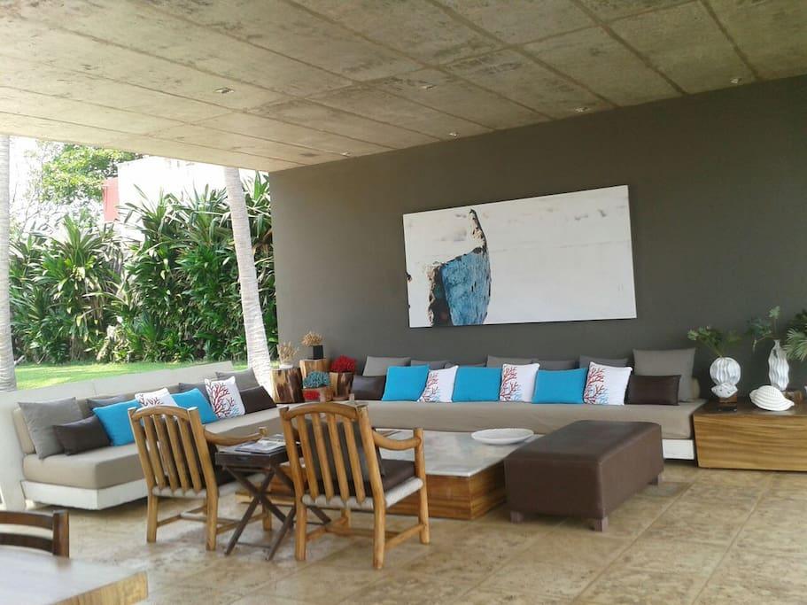 Living Area facing the Ocean
