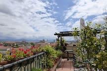 La terrazza solarium. The sundeck terrace