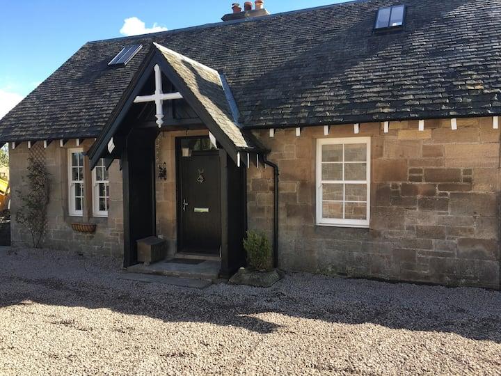 Moss Cottage - Dunmore Village