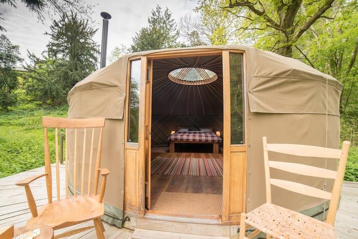Seren - Hand-built Luxury Yurt, nr Presteigne