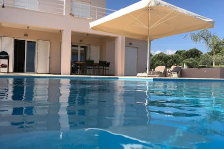 Luxurious Villa in Kamaria Peloponnese with Swimming Pool