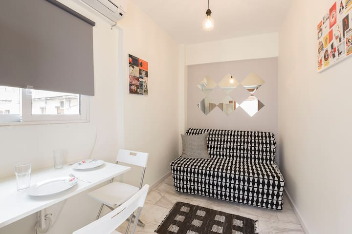Loft Studio in the heart of Thessaloniki - Tessalônica - Apartamento