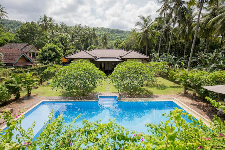 Private Villa Batu Layar Senggigi - Batu Layar - House