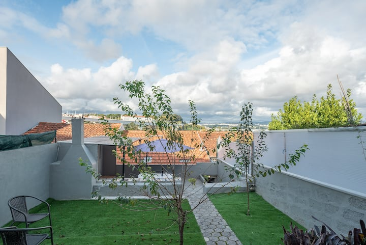 Villa With Riverview & Terrace & AC- 5min to Porto