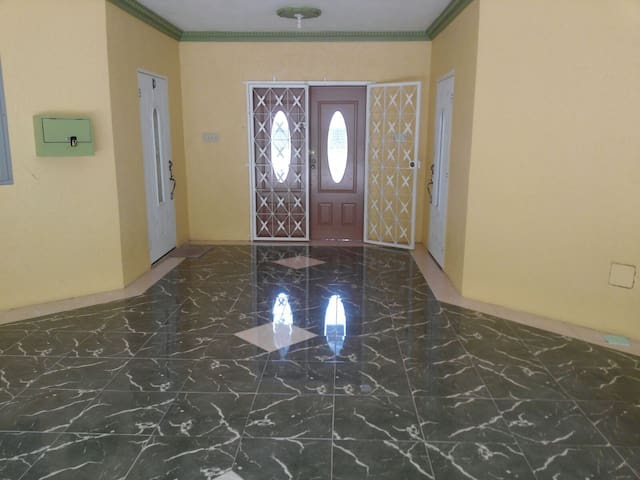 Spacious clean apartment located in Ironshore