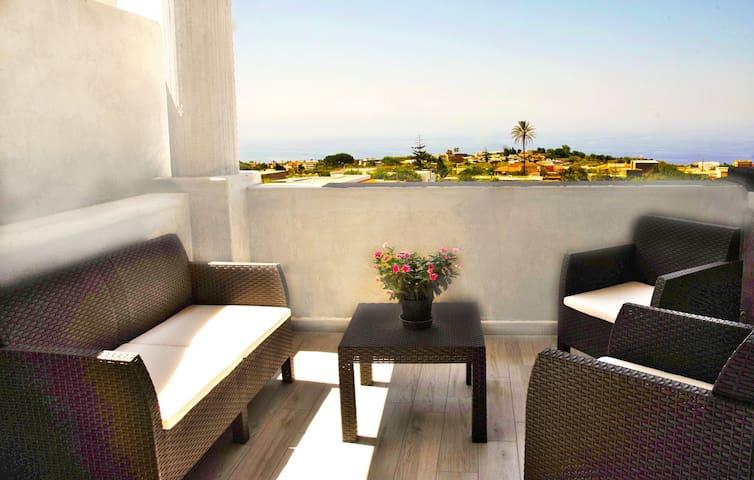 Casa Basilio con bellissima terrazza vista isole
