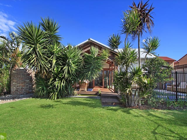 The Pool House Sandon point - Bulli