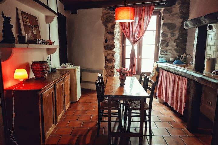 """""""La Cacheribaude"""" maison de charme."""