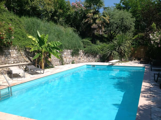 Rosa Camuna Rooms with Swimming Pool - Soiano - House