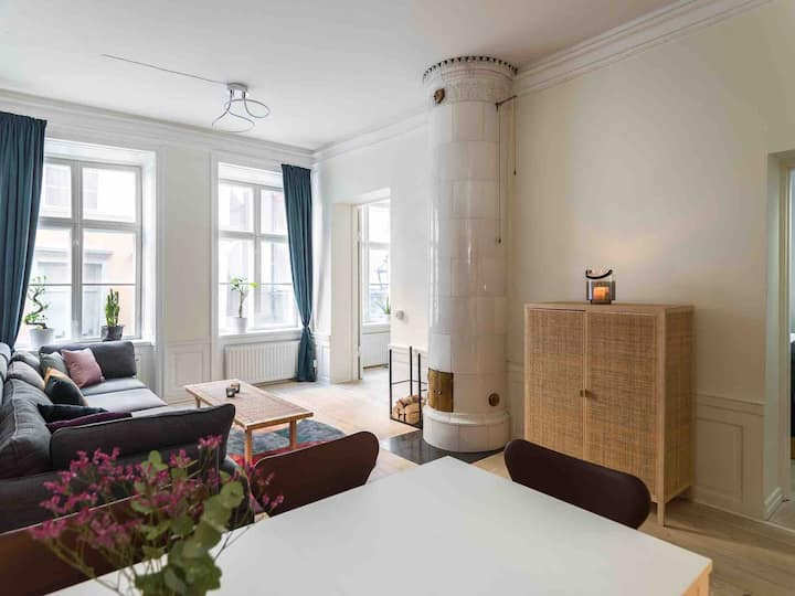 Bright, charming apartment in 400 year old house