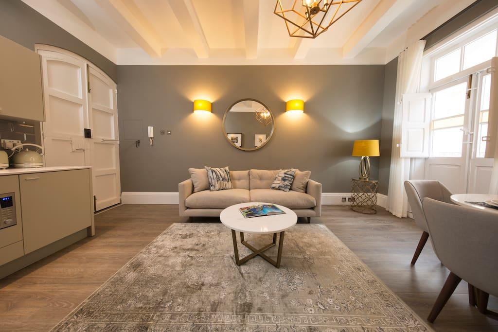 valletta merchant square appartements louer la valette malte. Black Bedroom Furniture Sets. Home Design Ideas