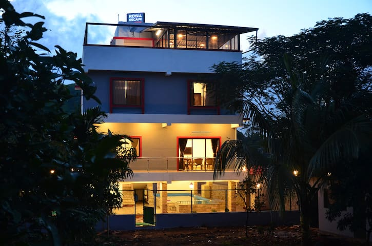 Royal Escape Villa Lonavla