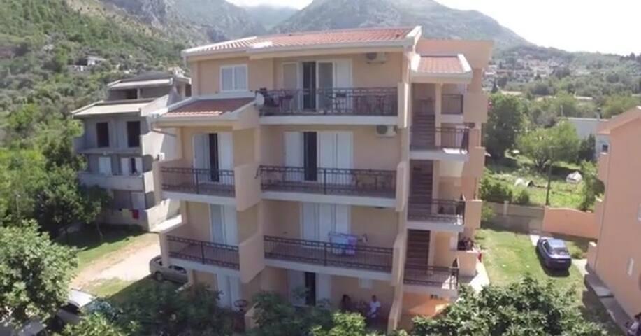 Apartment Percobic near the sea