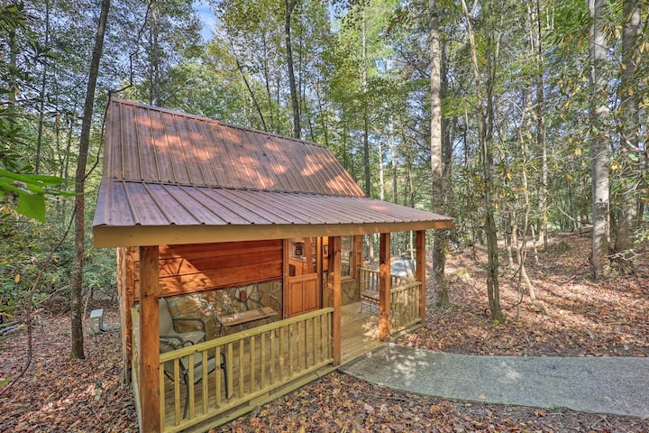 NEW! Cabin Retreat ~ 5 Mi to Cherokee Nat'l Forest