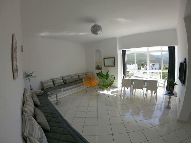 Tanger Cap Spartel Duplex 110m2 face aux plages