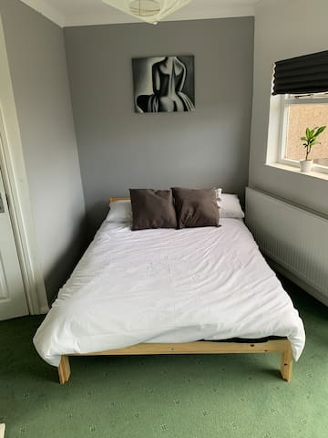 Double bedroom In Welling