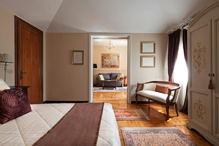 Suite in Venetian Villa, swimming pool and parking