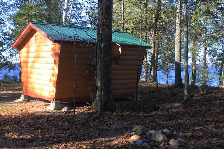 Small Golden Lake Cabins - Killaloe - Pulau